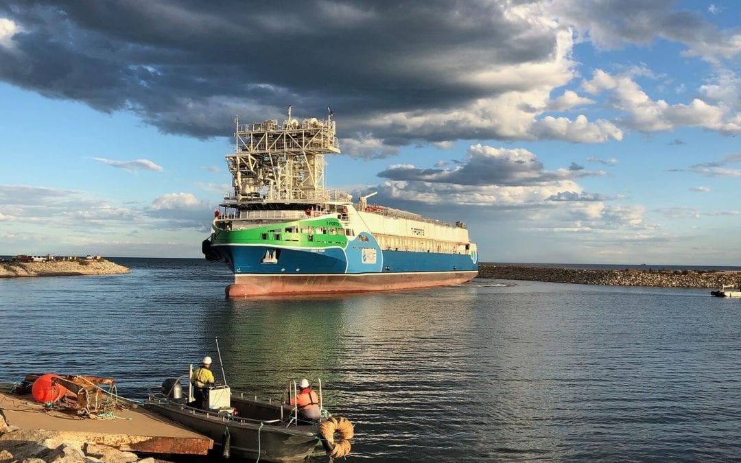 MV Lucky Eyre arrives at Lucky Bay